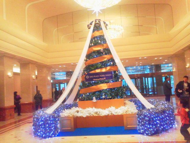 京王プラザホテルのクリスマスツリー(AKI)