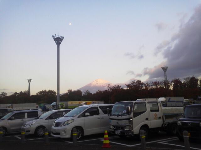 富士山と月(AKI)