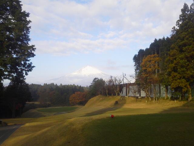 富士山とゴルフ場(AKI)