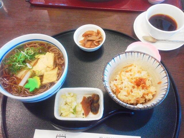 朝の蕎麦定食(AKI)